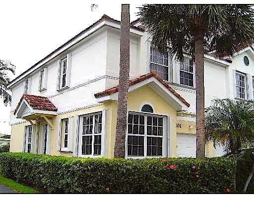 1980 NE 7th Street 101, Deerfield Beach, FL 33441