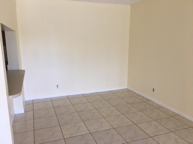 Additional photo for property listing at 624 Sea Pine Way 624 Sea Pine Way Greenacres, Florida 33415 Estados Unidos
