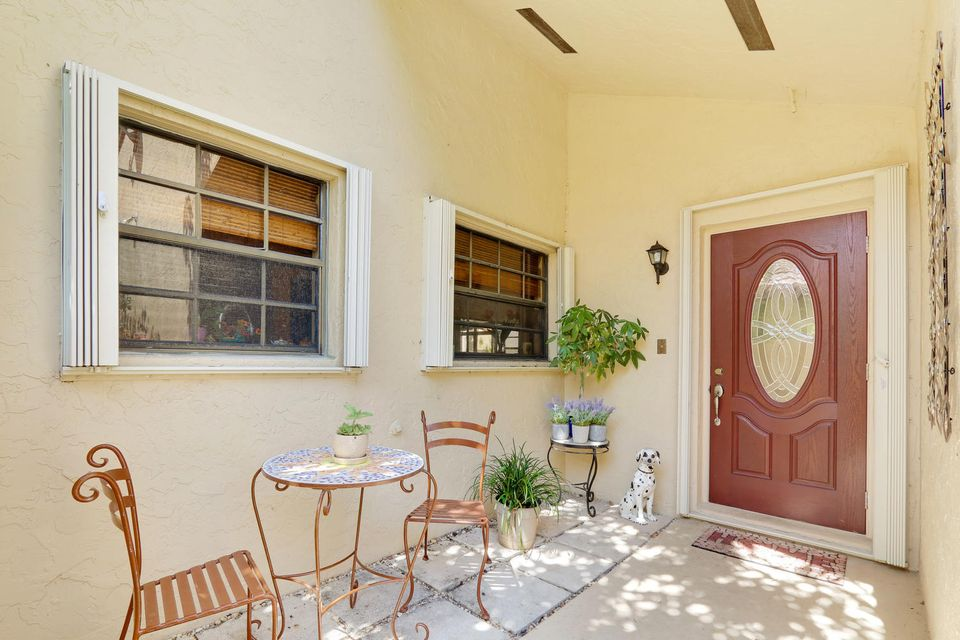 2155 NW 12th St Delray Beach-large-002-1