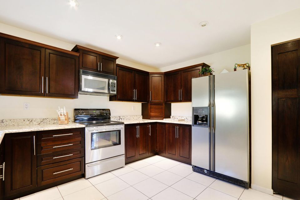2155 NW 12th St Delray Beach-large-009-8