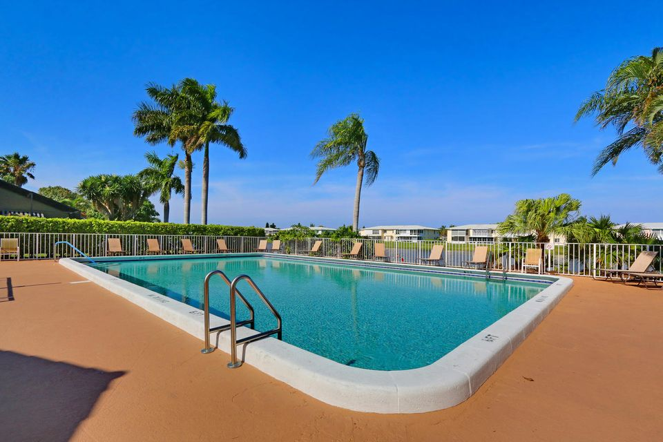 2155 NW 12th St Delray Beach-large-020-2