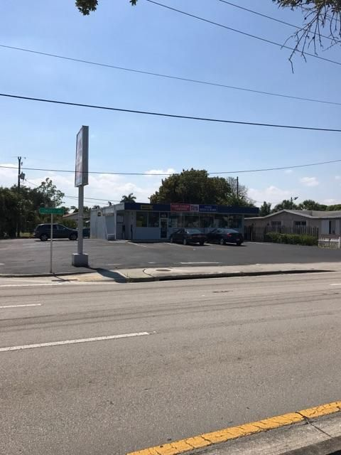 Additional photo for property listing at 2791 S Congress Avenue 2791 S Congress Avenue Palm Springs, Florida 33461 United States