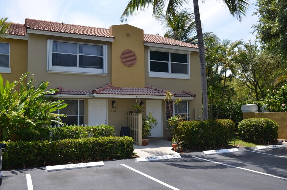 1104 E Jeffery Street, Boca Raton, FL 33487
