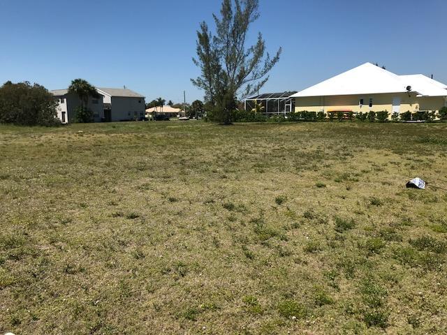 1707 Francis Court Lot 18, Hutchinson Island, FL 34949