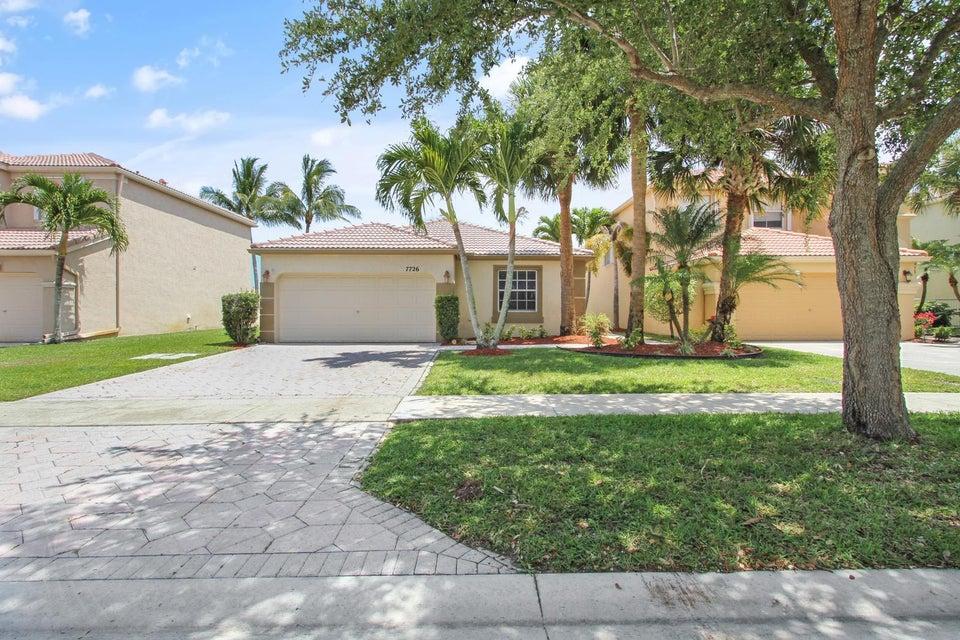 7726 Oak Grove Circle, Lake Worth, FL 33467