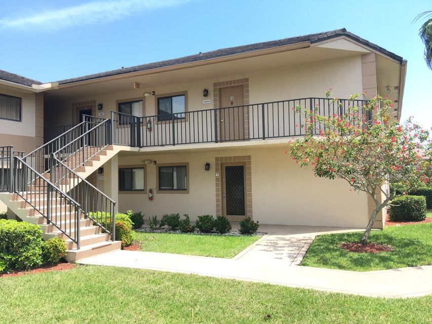 15378 Lakes Of Delray Boulevard 19, Delray Beach, FL 33484