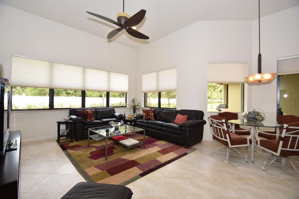 Additional photo for property listing at 9392 Isles Cay Drive  Delray Beach, Florida 33446 États-Unis
