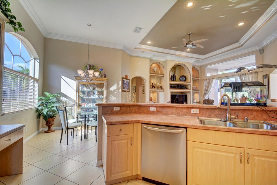 Additional photo for property listing at 2933 E Fontana Court  Royal Palm Beach, Florida 33411 Vereinigte Staaten