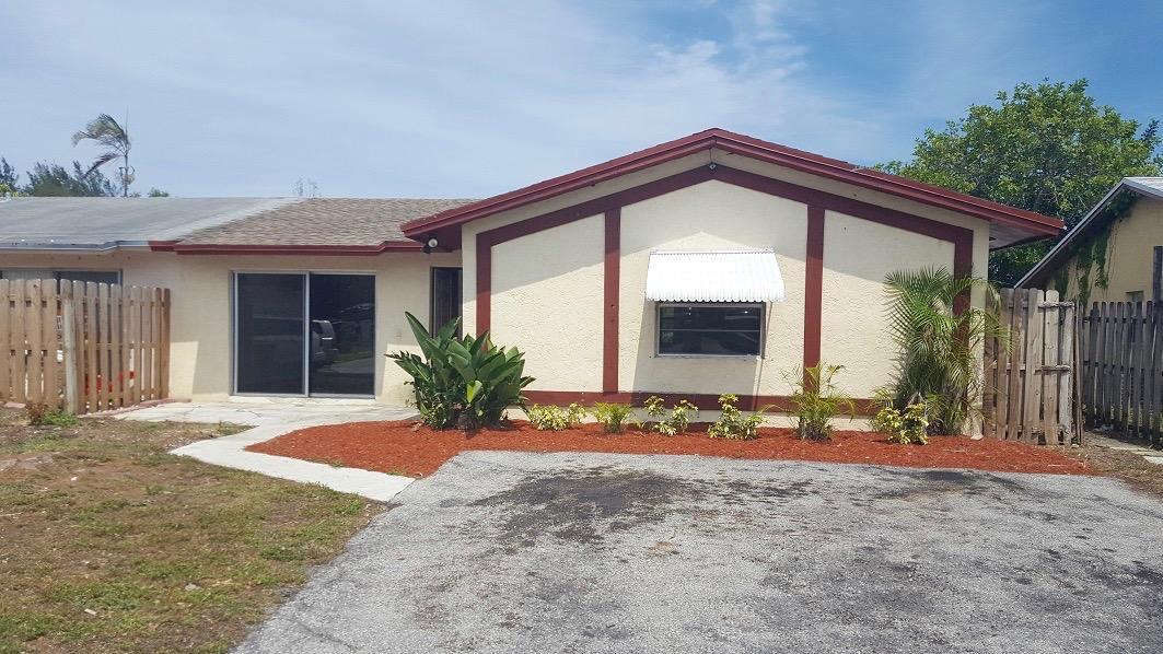 8730 Satalite Terrace, Lake Park, FL 33403