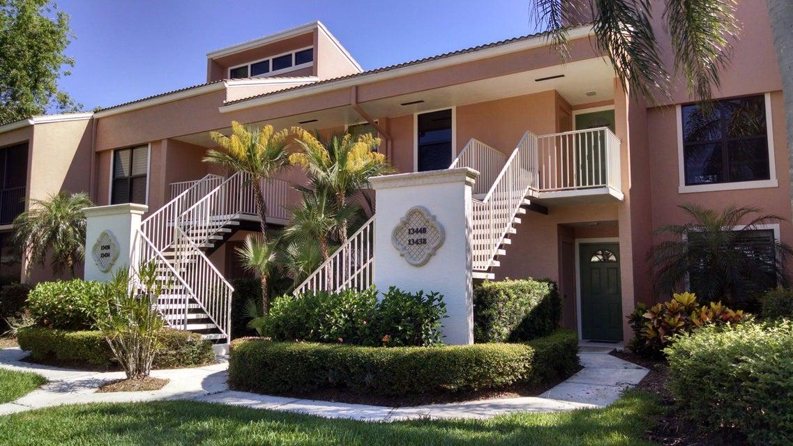 Co-op / Condominio por un Venta en 13438 Harbour Ridge Boulevard 13438 Harbour Ridge Boulevard Palm City, Florida 34990 Estados Unidos