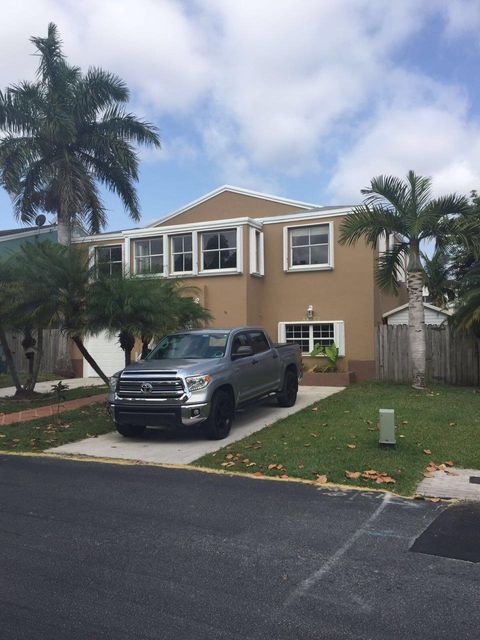 Townhouse for Sale at 27040 SW 120th Avenue Road 27040 SW 120th Avenue Road Homestead, Florida 33032 United States