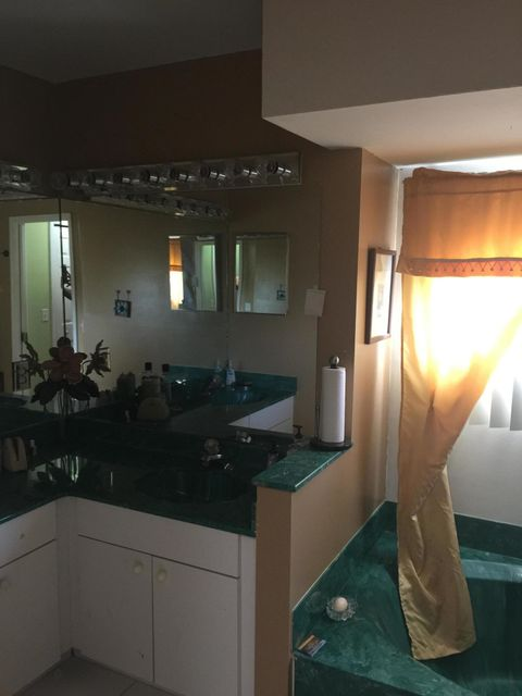 Additional photo for property listing at 3421 SE Bevil Avenue 3421 SE Bevil Avenue Port St. Lucie, Florida 34984 Estados Unidos