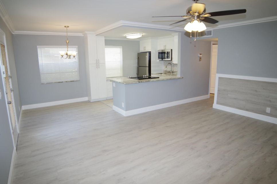Additional photo for property listing at 638 Burgundy N 638 Burgundy N Delray Beach, Florida 33484 United States