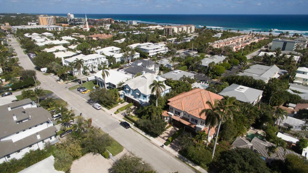 Additional photo for property listing at 217 Venetian Drive 217 Venetian Drive Delray Beach, Florida 33483 États-Unis