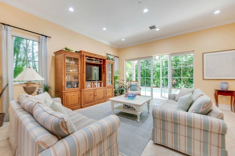 Additional photo for property listing at 217 Venetian Drive 217 Venetian Drive Delray Beach, Florida 33483 Estados Unidos