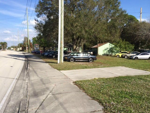 Additional photo for property listing at 3701 Okeechobee Road 3701 Okeechobee Road Fort Pierce, Florida 34947 Vereinigte Staaten