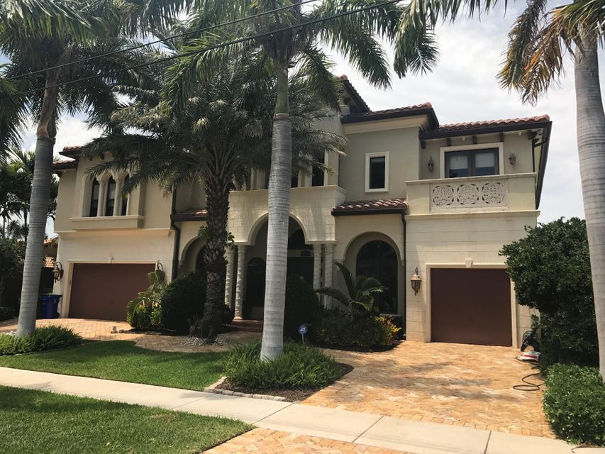 Maison unifamiliale pour l Vente à 1535 SE 14th Court Deerfield Beach, Florida 33441 États-Unis