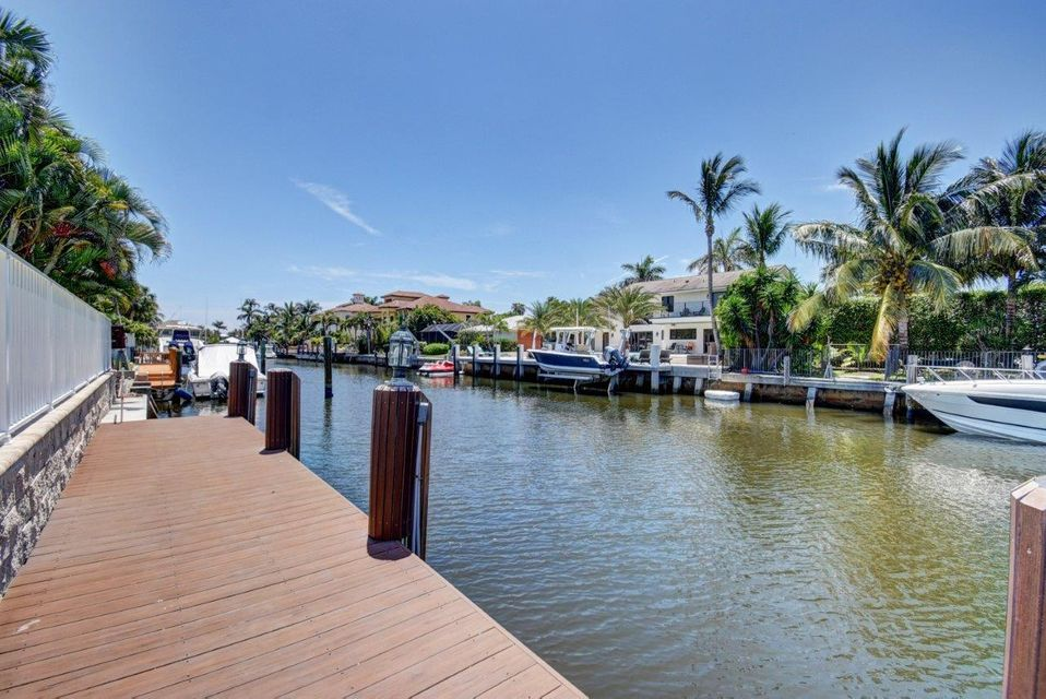 952 McCleary Street Dock & Canal