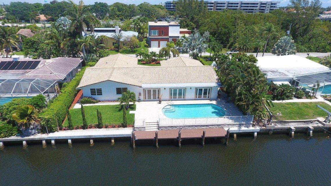 952 McCleary Street view of pool, dock,