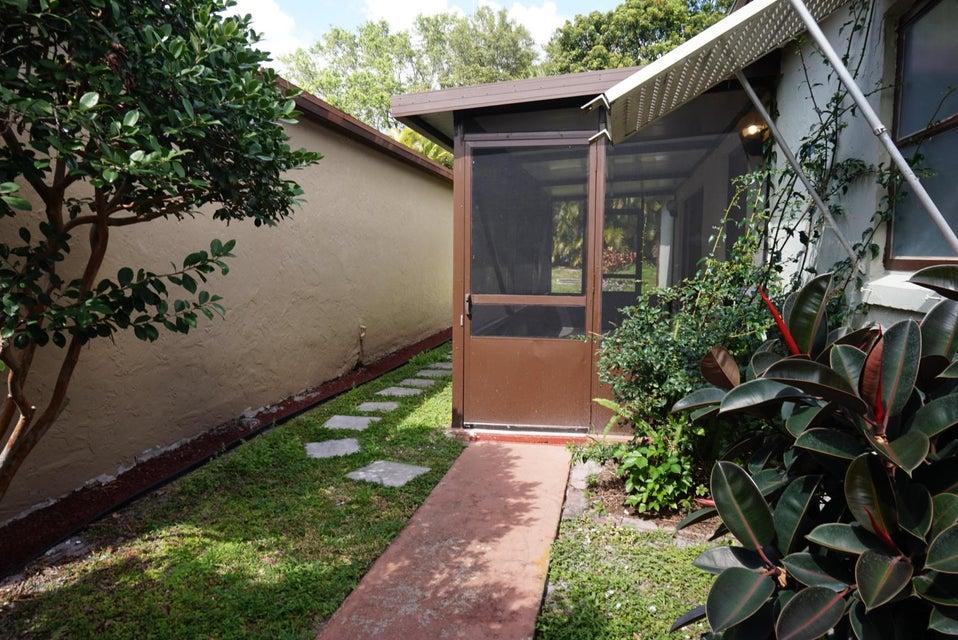 5135 Mirror Lakes Boulevard Boynton Beach, FL 33472 - photo 3