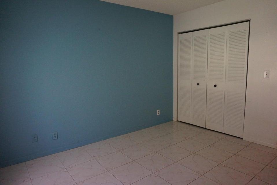 5135 Mirror Lakes Boulevard Boynton Beach, FL 33472 - photo 8