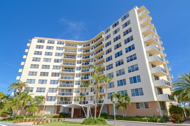 Coopérative / Condo pour l Vente à 2800 N Flagler Drive 2800 N Flagler Drive West Palm Beach, Florida 33407 États-Unis
