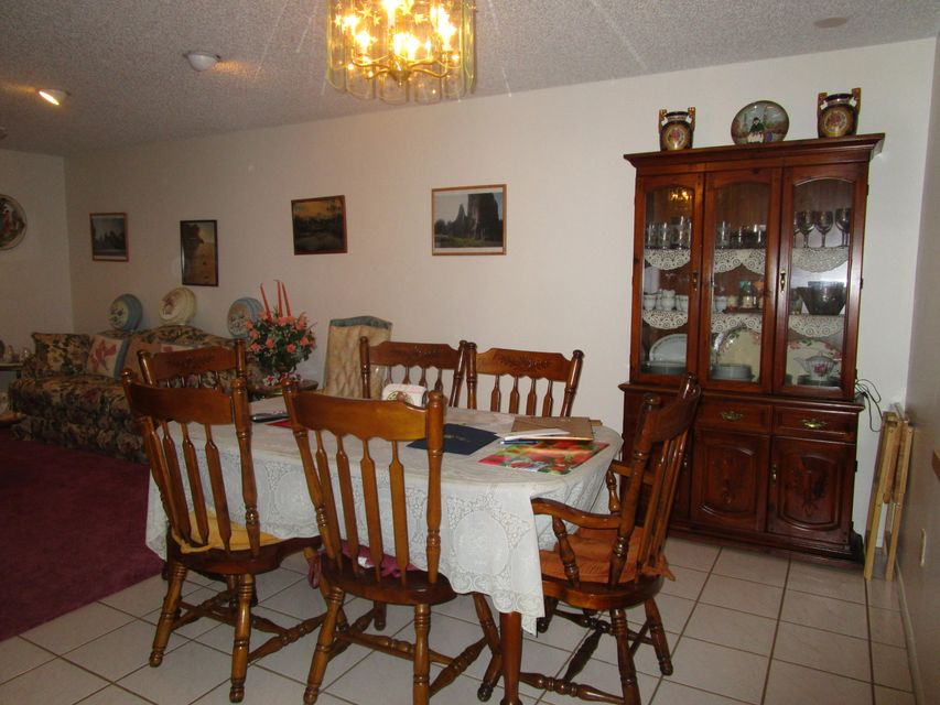 Additional photo for property listing at 37 Copper Pod Court  Royal Palm Beach, Florida 33411 United States