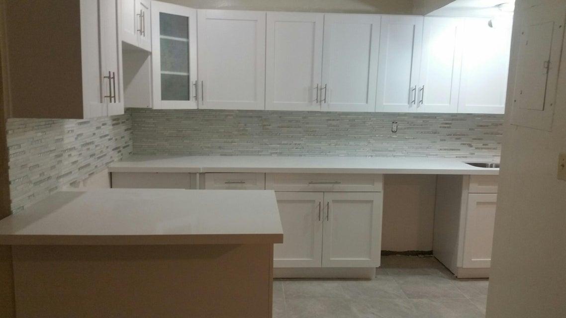Additional photo for property listing at 8827 Harding Avenue  瑟夫赛德, 佛罗里达州 33154 美国