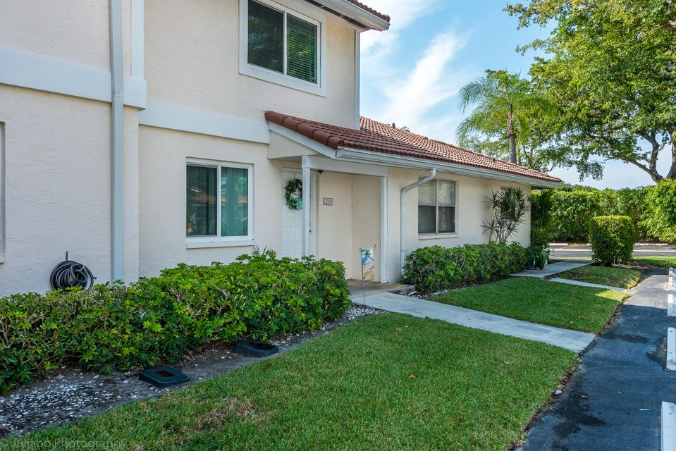 6260 Walk Circle, Boca Raton, FL 33433
