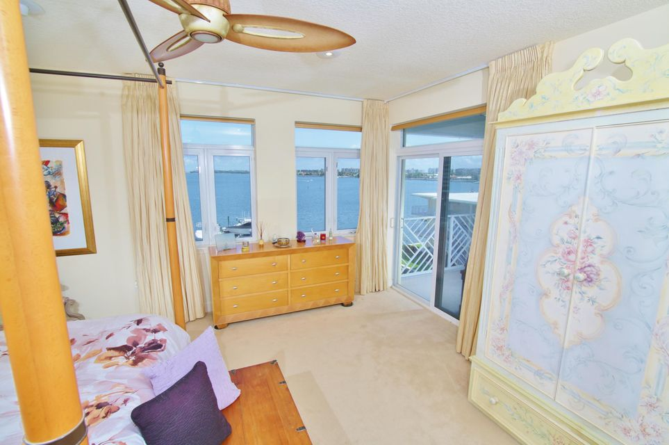Additional photo for property listing at 309 E Ocean Avenue 309 E Ocean Avenue Lantana, 佛罗里达州 33462 美国