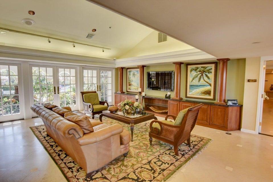 Clubhouse Livingroom