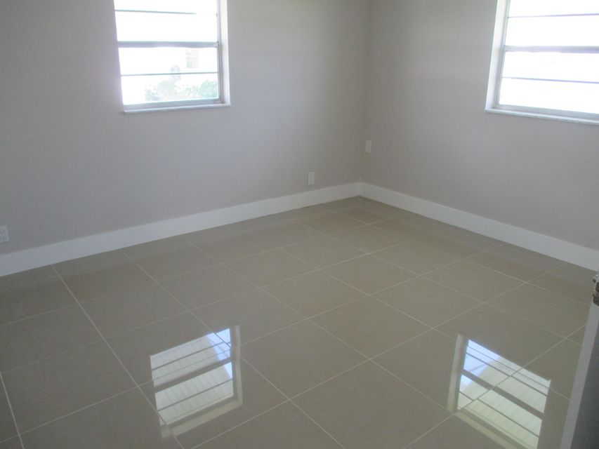 Additional photo for property listing at 1705 SW 18 Street 1705 SW 18 Street Boynton Beach, Florida 33426 Estados Unidos