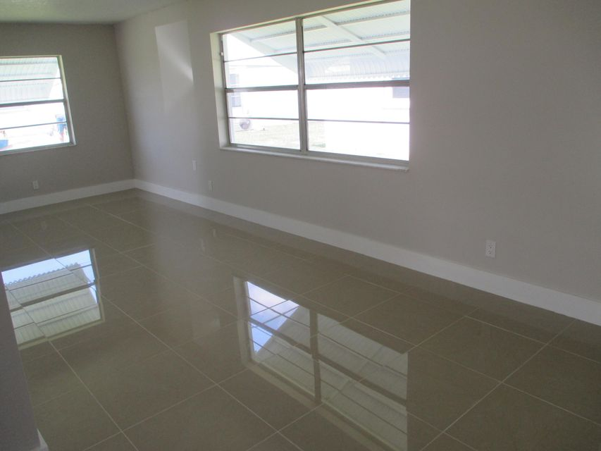 Additional photo for property listing at 1705 SW 18 Street 1705 SW 18 Street Boynton Beach, Florida 33426 United States