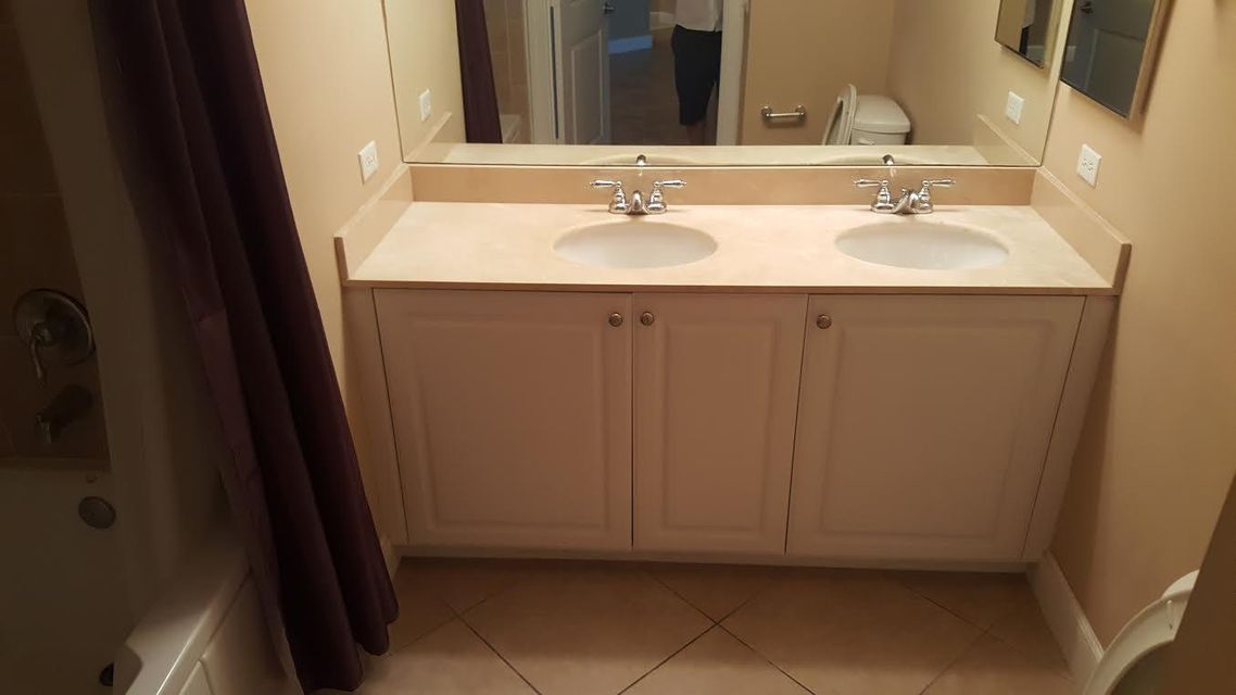 Additional photo for property listing at 4 Renaissance Way 4 Renaissance Way Boynton Beach, Florida 33426 États-Unis