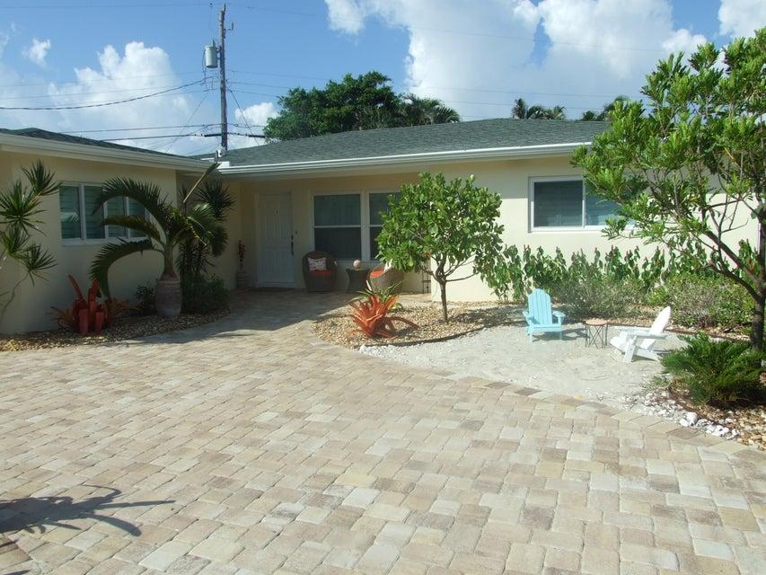 420 Neptune Road, Juno Beach, FL 33408