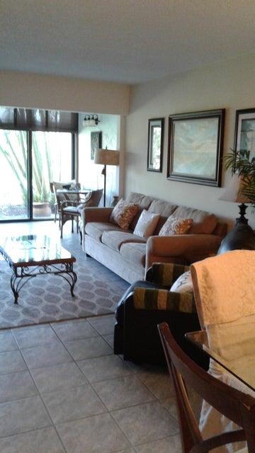 Co-op / Condominio por un Alquiler en 2400 S Ocean Drive 2400 S Ocean Drive Fort Pierce, Florida 34949 Estados Unidos