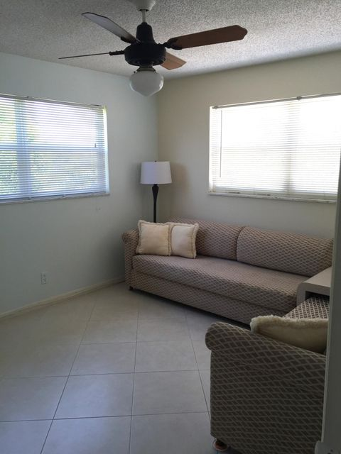Additional photo for property listing at 2601 NE 3rd Court  Boynton Beach, Florida 33435 États-Unis
