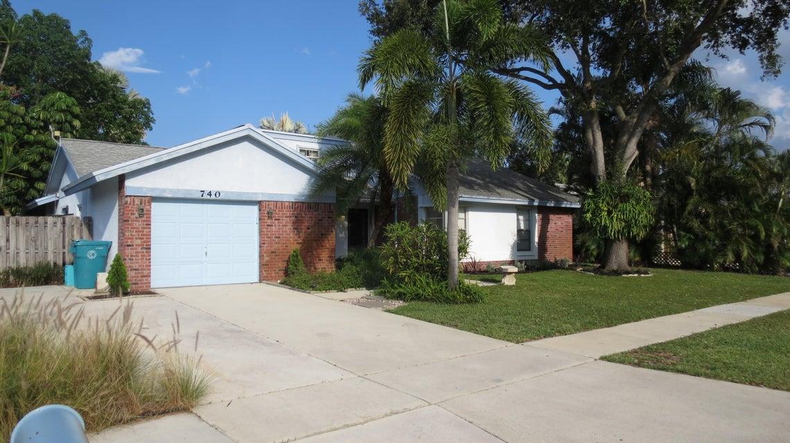 740 NW 10th Court, Boynton Beach, FL 33426