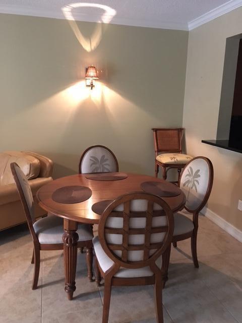 Additional photo for property listing at 200 Uno Lago Drive  Juno Beach, Florida 33408 Estados Unidos