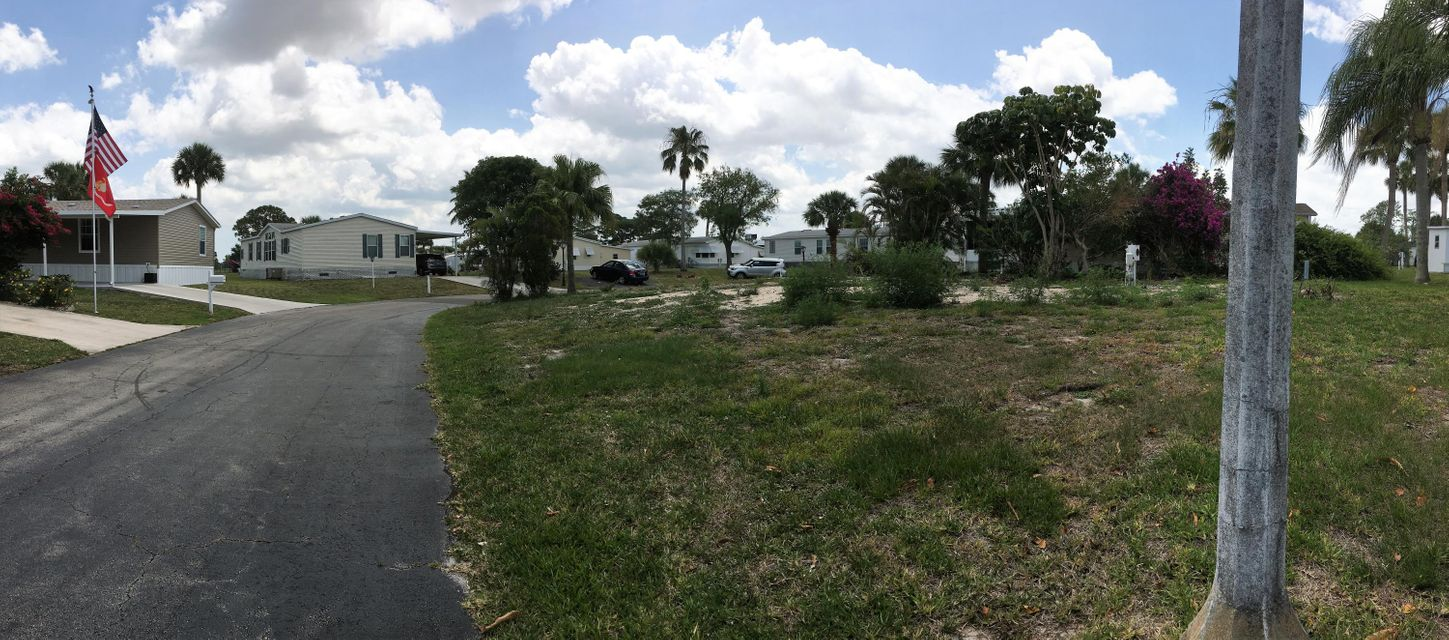 Additional photo for property listing at 7464 43rd Drive N 7464 43rd Drive N West Palm Beach, Florida 33404 United States