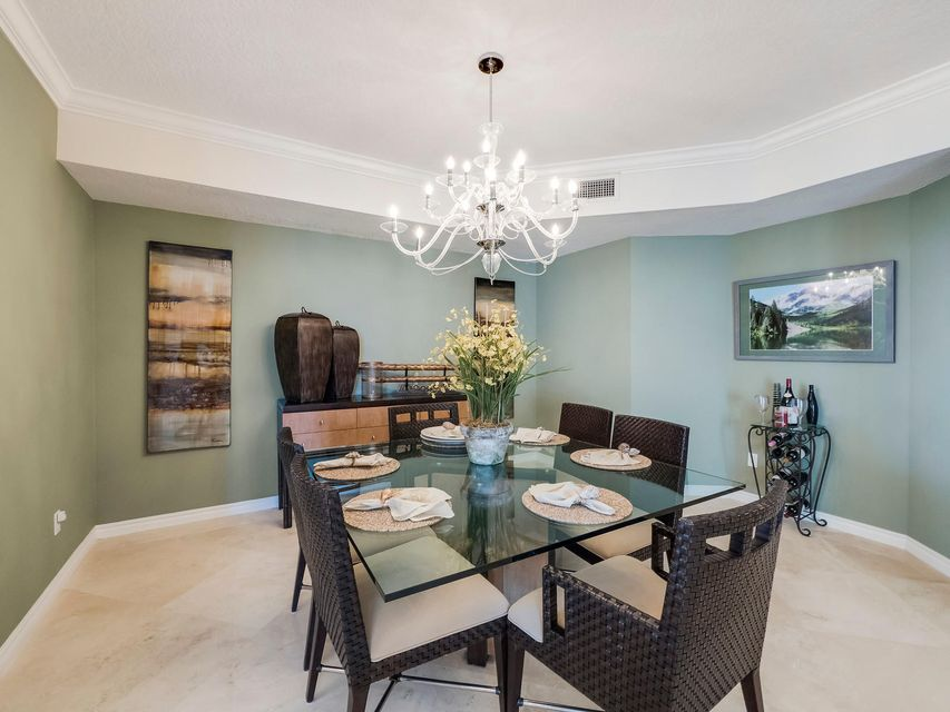 Additional photo for property listing at 700 Ocean Royale Way 700 Ocean Royale Way Juno Beach, Florida 33408 United States