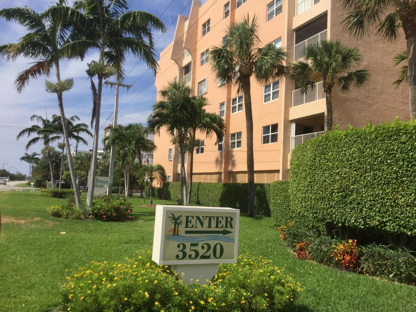 Additional photo for property listing at 3520 S Ocean Boulevard S 3520 S Ocean Boulevard S South Palm Beach, Florida 33480 États-Unis