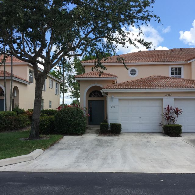 Co-op / Condominio por un Venta en 12474 Crystal Pointe Drive Boynton Beach, Florida 33437 Estados Unidos