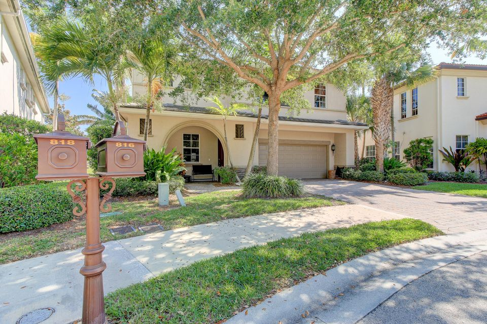 Single Family Home for Sale at 816 Lincoln Court 816 Lincoln Court Palm Beach Gardens, Florida 33410 United States