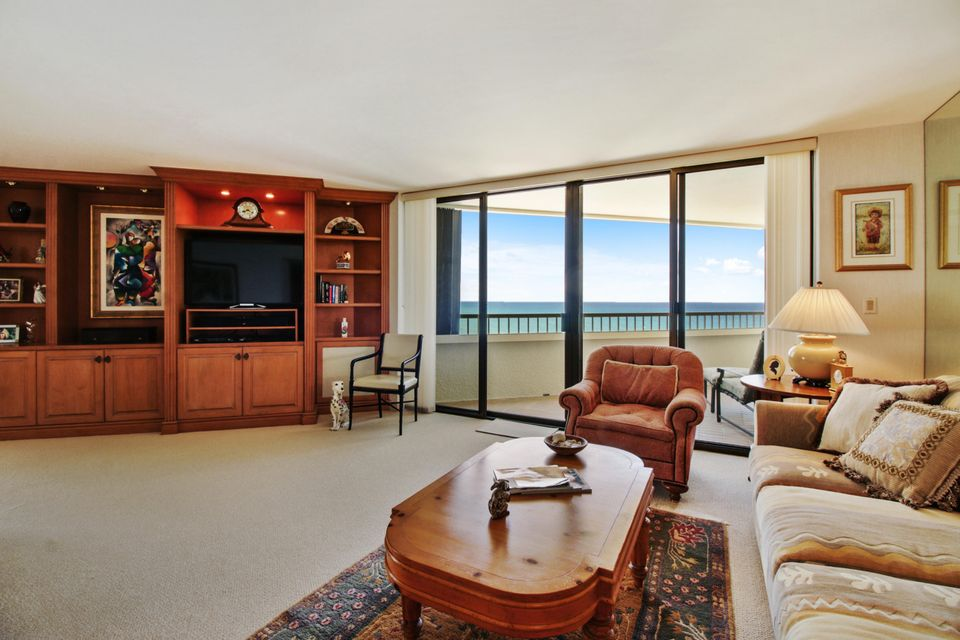 Additional photo for property listing at 5070 N Ocean Drive  Singer Island, Florida 33404 Estados Unidos
