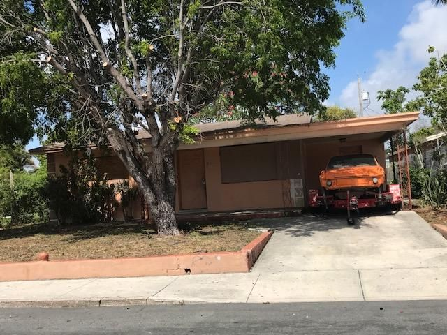 831 S F Street, Lake Worth, FL 33460