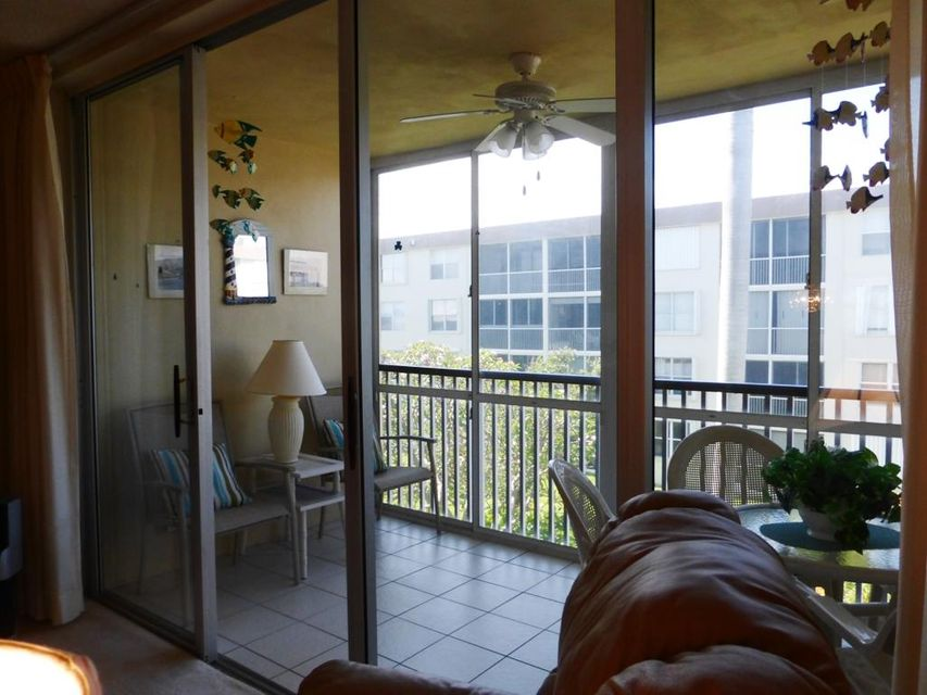 Additional photo for property listing at 2014 S Federal Highway  Boynton Beach, Florida 33435 United States