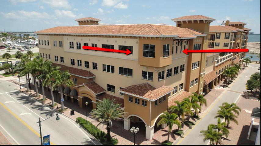 Escritórios para Venda às 130 S Indian River Drive 130 S Indian River Drive Fort Pierce, Florida 34950 Estados Unidos