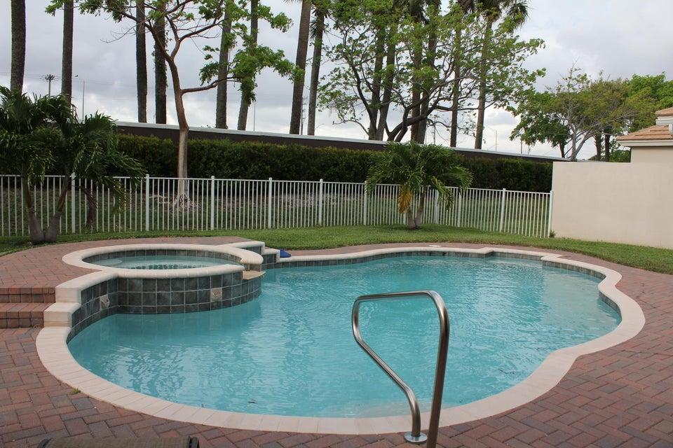 Additional photo for property listing at 99 Belle Grove Lane  Royal Palm Beach, Florida 33411 Estados Unidos