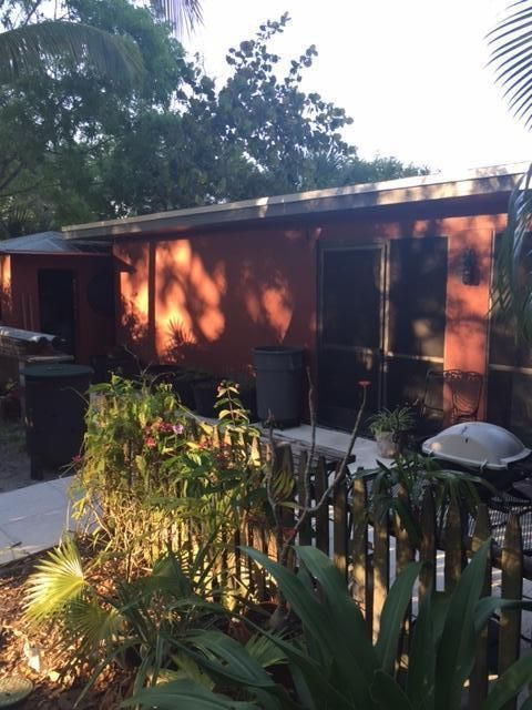 Additional photo for property listing at 9165 SE Venus Street  Hobe Sound, Florida 33455 United States